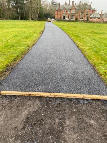Re-surfacing project on mansion driveway. Re-surfacing project on mansion driveway.