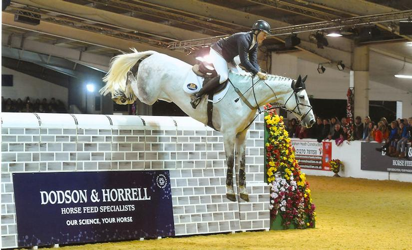 THEY TOTALLY SMASHED IT !! Zacincelle BDA & main man Kyle Hassell jumped their way to the fifth & final round in their first affiliated puissance CLEARING a whopping 2m05 !!!!!!