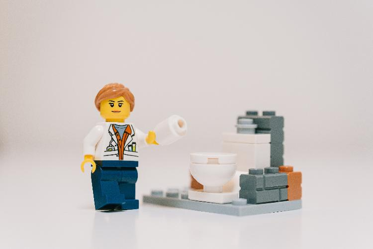 My top 10 tips to manage constipation! Always feeling constipated and not sure what you can do to improve the situation? Read on for my top tips!
