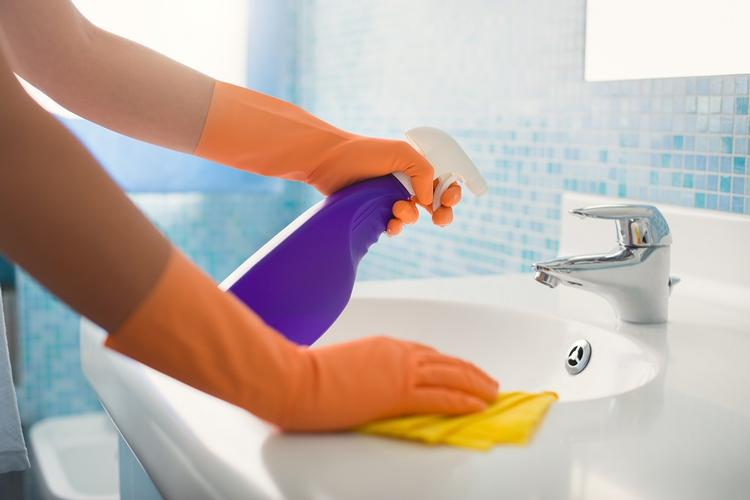Banish the Dirt from Your Bathroom! Spray the sink, mirror and toilet with cleaner and let it settle so it can do its magic! When it comes to wiping the surfaces, make sure you wipe from the cleanest to the dirtiest. You will also need to ensure that you get all of the grime and hard water deposits that accumulate around the drain and sink handles. Keeping these elements clean will give your bathroom a sparkling finish!