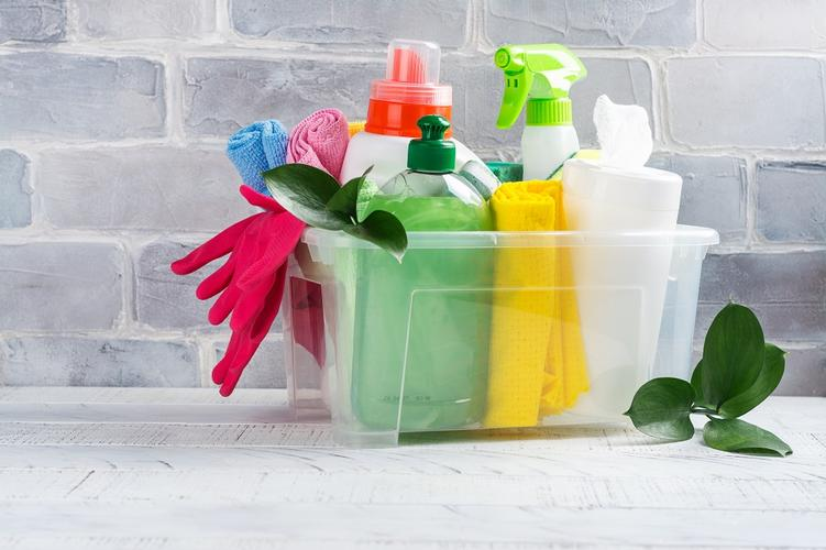 Why Green Cleaning Is Better for You and Your Home Most cleaning products are toxic and flammable so it is no surprise to know that they are rather unsafe. Small children and pets are particularly vulnerable because of their size. The best thing to do to minimise this risk, is with green cleaning products.