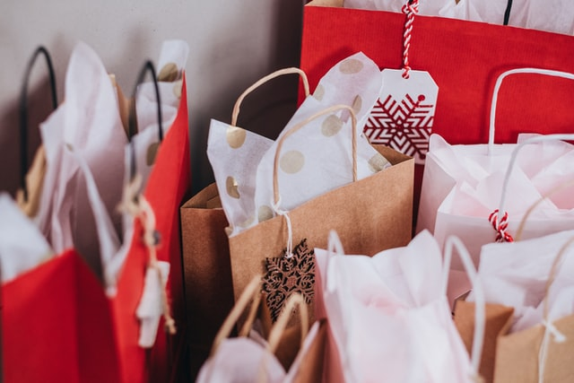 5 Great Corporate Gifts for Christmas With Christmas just around the corner, I have been asked (by my clients) to look for gifts for their employees and their key clients with an emphasis on small or local companies (Kent and surrounding areas).