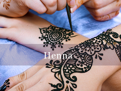 Henna If you are looking for henna tattoos for parties and bridal events look no further. Our henna is 100% natural with a deep stain, and contains no black henna/dyes etc.  Henna is best applied up to 48 hours prior to the event to allow the natural stain to develop to its deepest.