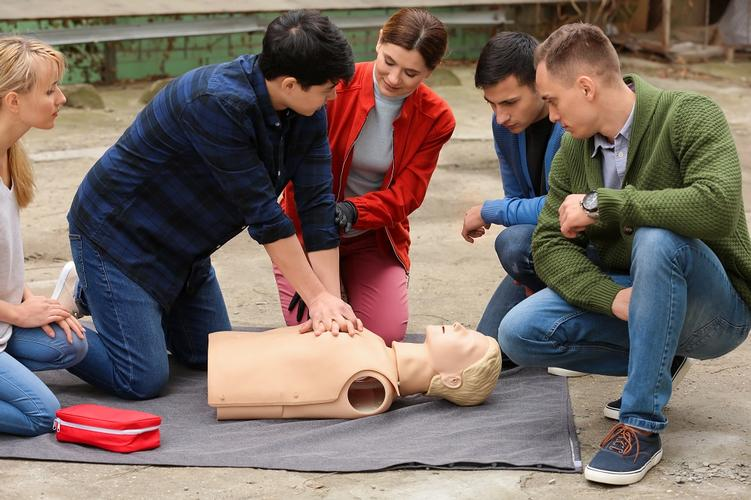 Emergency First Aid at Work QA Level 3 The Health and Safety (First Aid) Regulations 1981 require all employers to make arrangements to ensure their employees receive immediate attention if they are injured or taken ill at work. This includes carrying out a risk assessment, appointing a suitable amount of first aiders and providing appropriate first aid training. However, having the correct first aid provision in the workplace is not just a legal requirement, it is incredibly important for the safety of all members of staff!