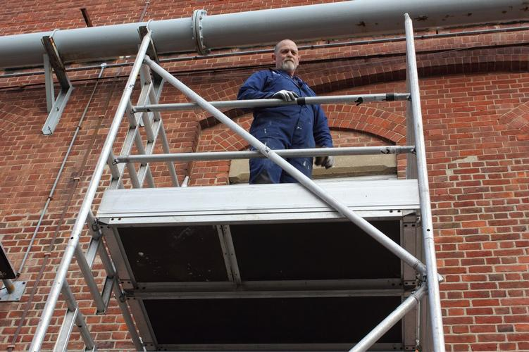 Working at Height QA Level 2 This regulated and nationally recognised qualification has been specifically designed to increase awareness of safety considerations whilst working at height, including the importance of the equipment used and how to ensure a safe working environment.