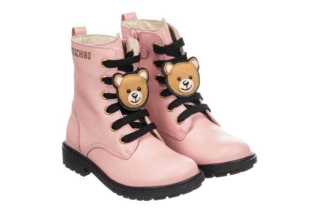 Italian Shoe Brands For Kids When discussing shoes, Italian ones are most common and respectable. This is cause the product have been tested and approved by many. Whether male or female, boy or girl, regardless of the size and age, this shoes varies according to the designers.