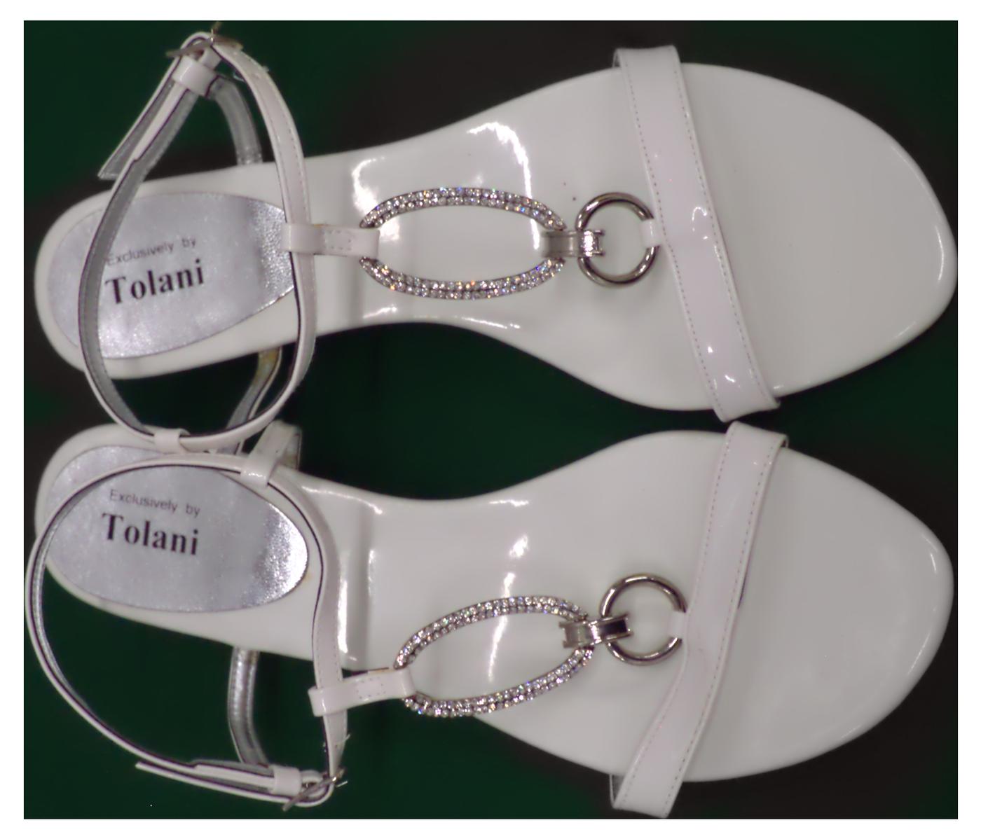 White ring Sandals