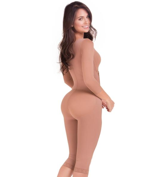 Maria E Nude Full Body Capri