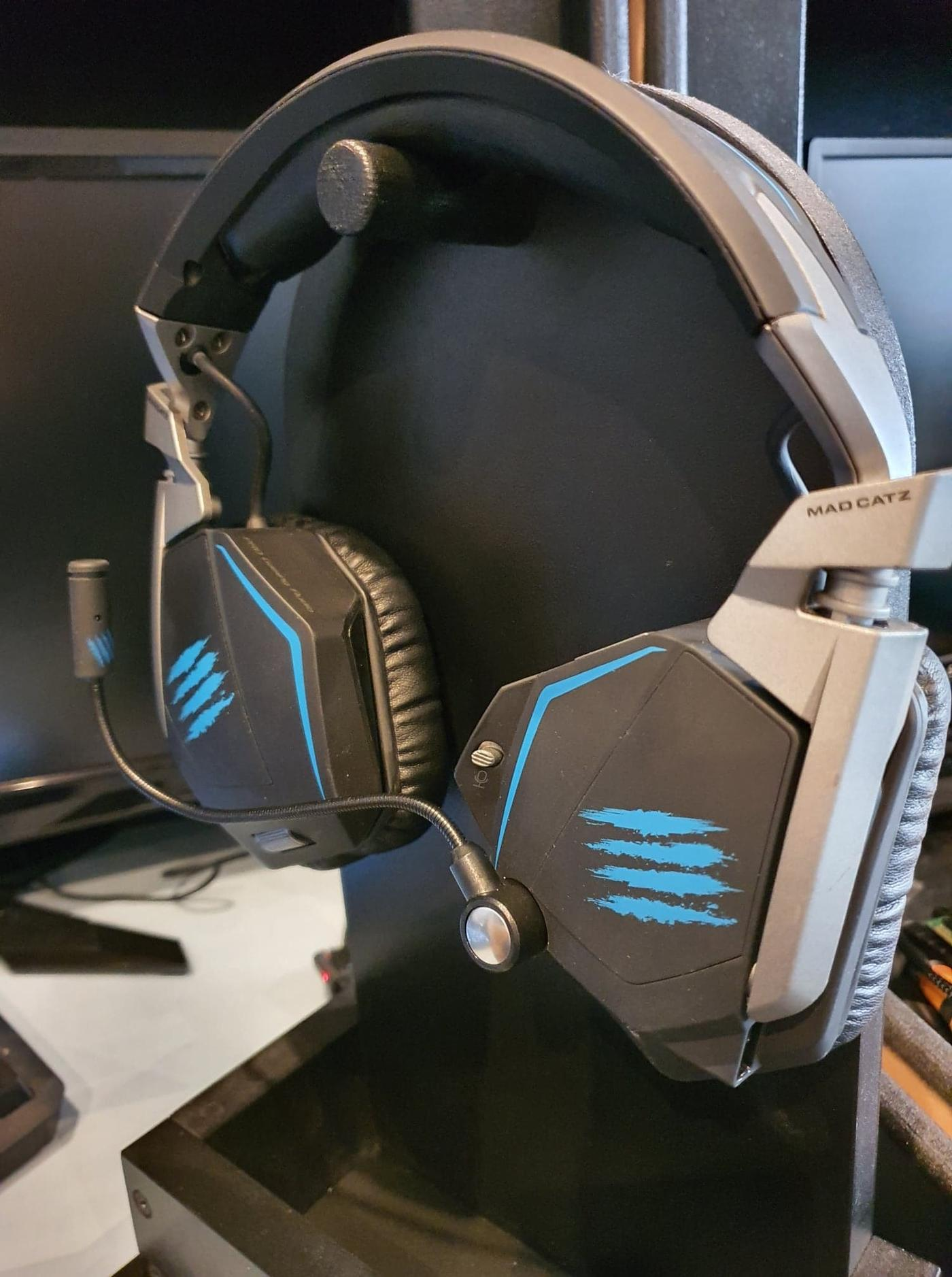 Refurbished Madcatz F.R.E.Q 7.1 Wired Headset