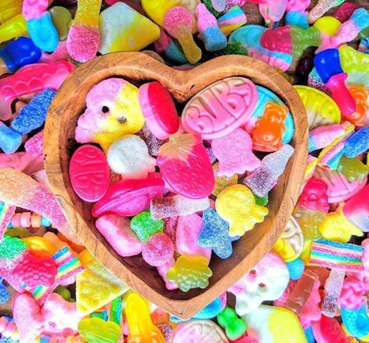 Mail Order Vegan Sweets Delivered to your Door Mail Order Vegan Sweets Choose from Retro Mix, Kid's Favourites and Gummies Galore...