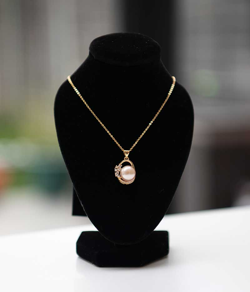Gold Tone Pearl Pendant