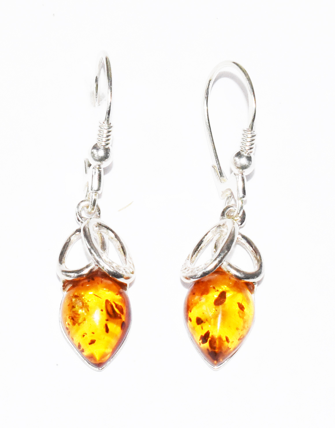 Elegant Baltic Amber drop drop earrings. (E-07)