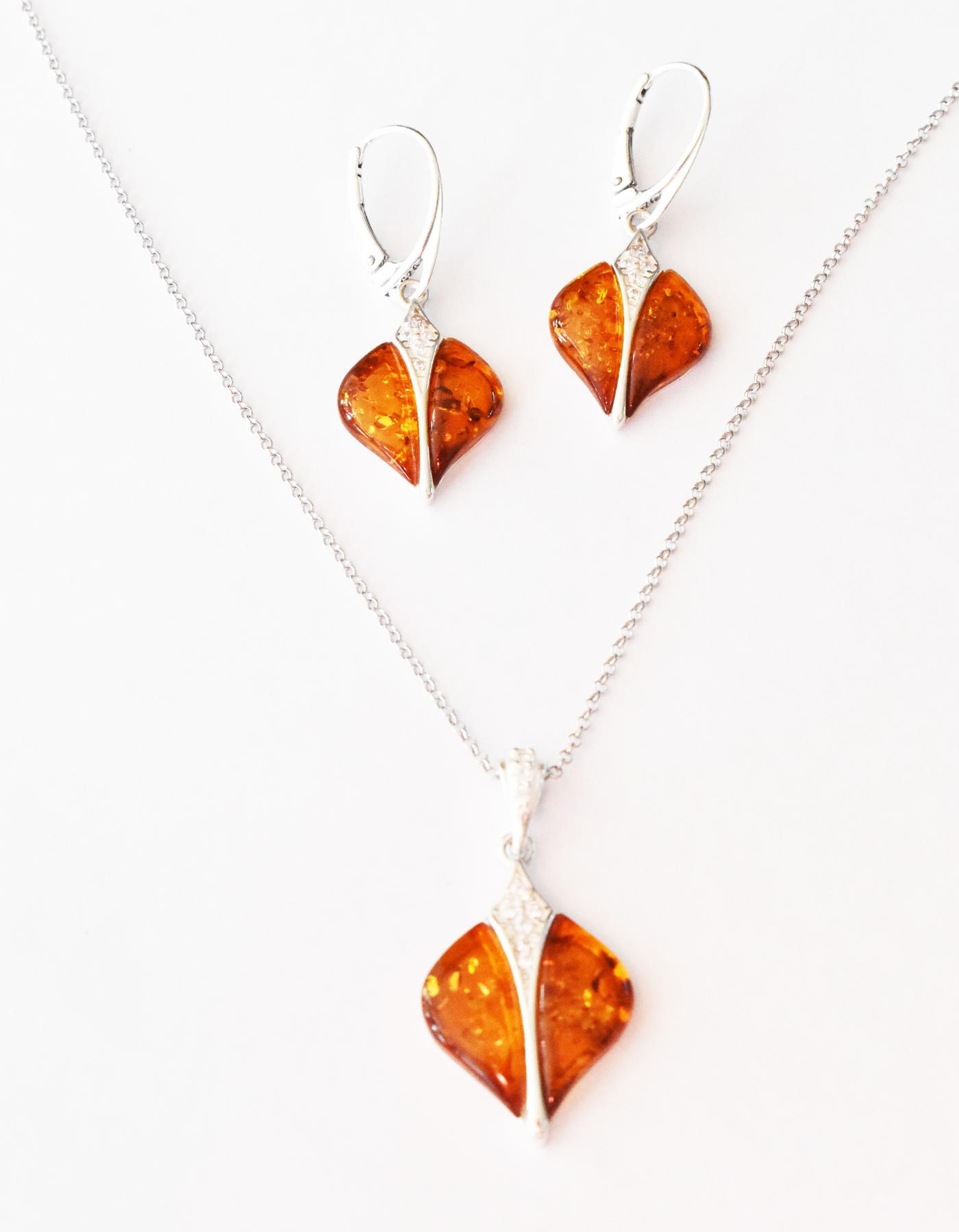 Matching Baltic amber earrings and pendant  (EP-02)