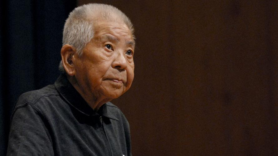 Tsutomu Yamaguchi - The Man Who Survived Two Atomic Bombs Being caught in one atomic bomb attack is bad luck. To be caught in a second attack a few days later is catastrophic luck. To survive both? That's the luck of Tsutomu Yamaguchi...
