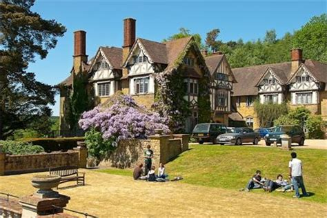 Hurtwood House Hurtwood House is an independent co-educational boarding school which is situated in Surrey.