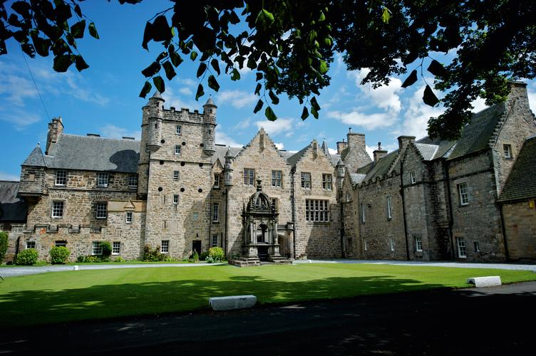 Loretto School Loretto School is an independent boarding school located in Musselburgh, Scotland.