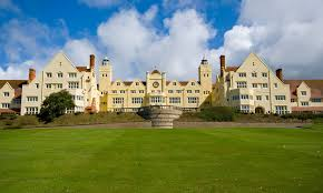 Roedean School Roedean School is a independent school for girls age 11-19, which is located on the outskirts of Brighton, East Sussex, in the South-East of England