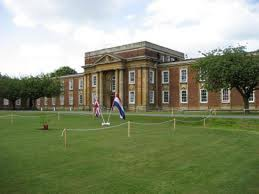 Royal Russell School Royal Russell is a co-educational school for students aged 3 to 18 in Croydon, Surrey