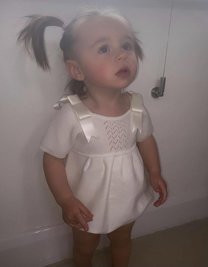 Mebi Cream Knit Shortie