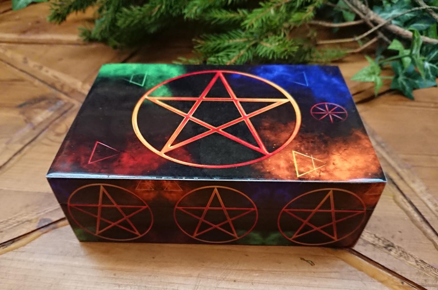 Pentagram laminated box