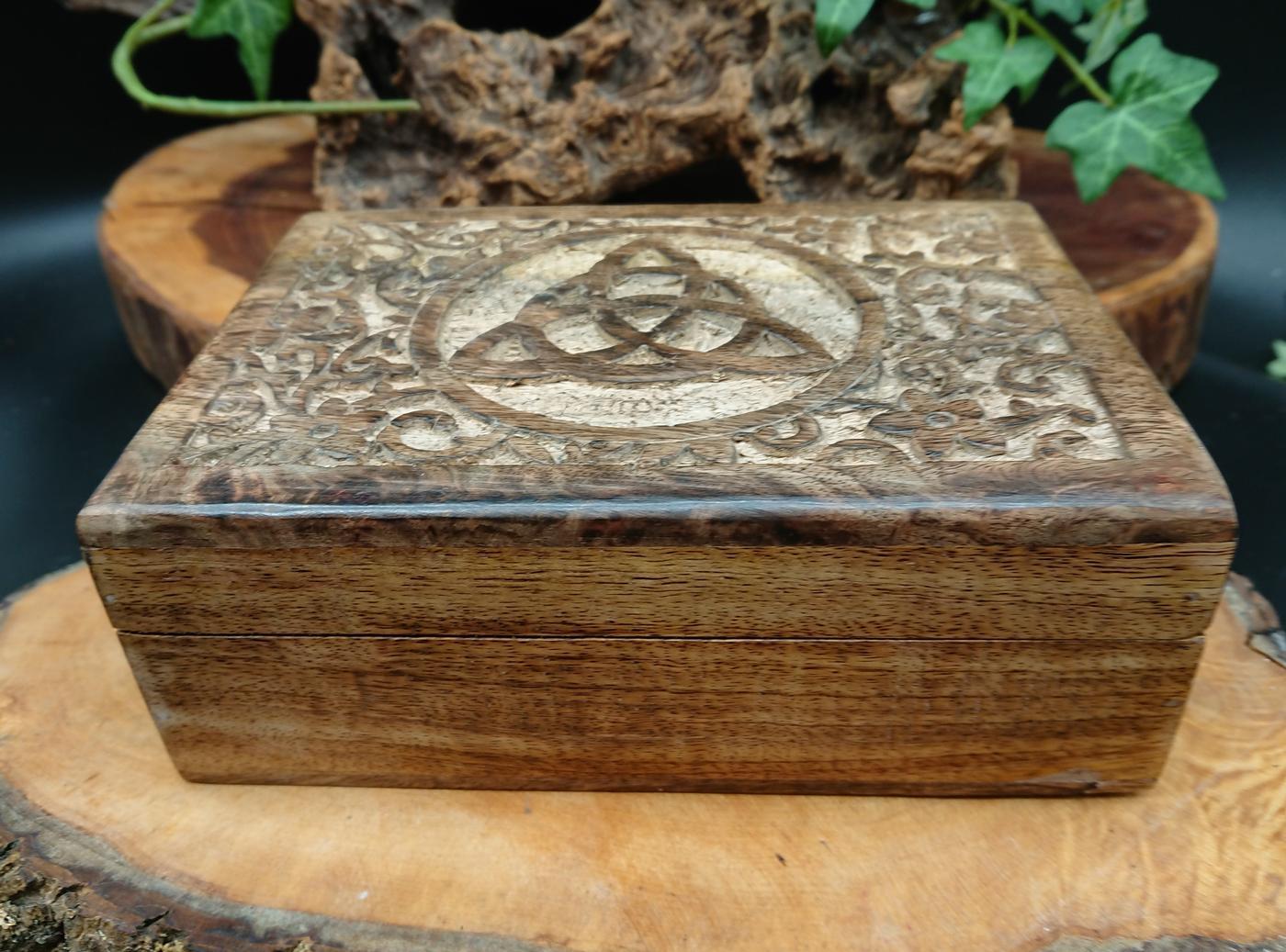 Triquetra Tarot card Box