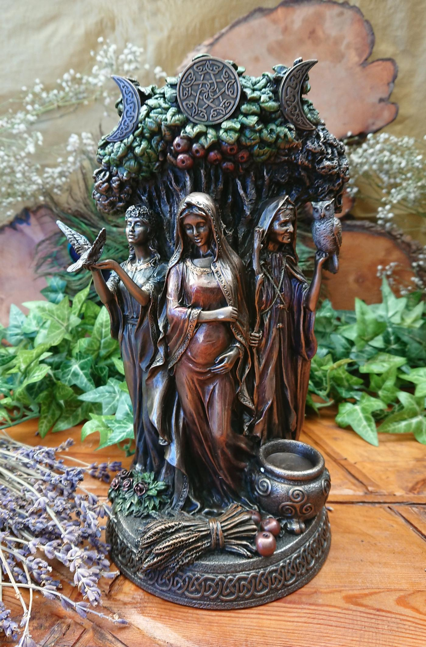Maiden, Mother Crone figurine