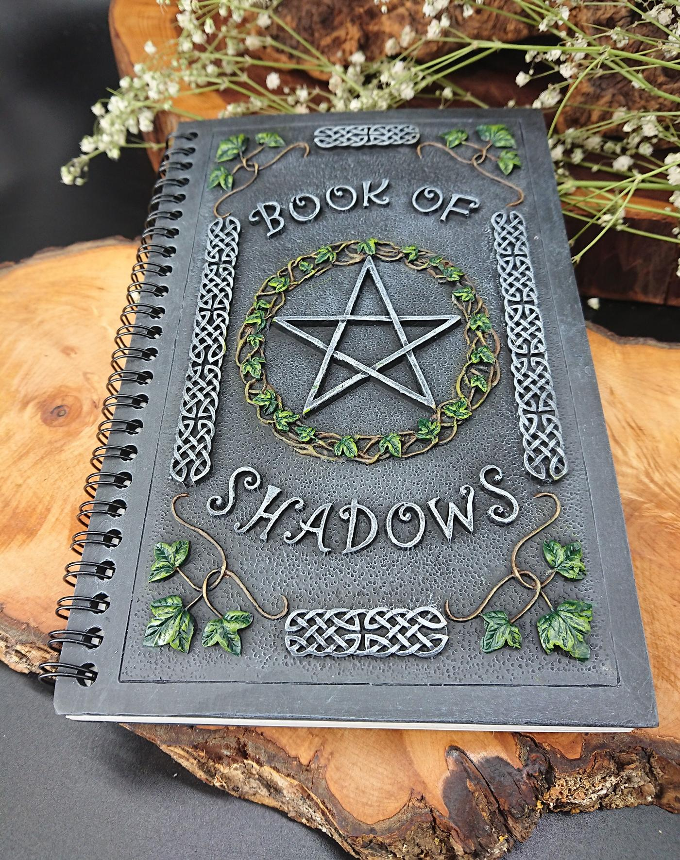 Nemesis Now Ivy Book of Shadows