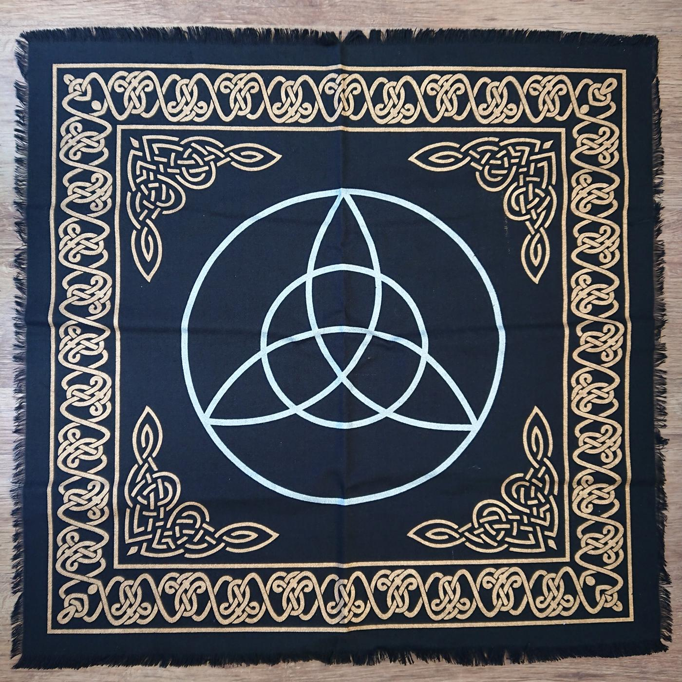 Triquetra Altar Cloth Gold - Silver 24