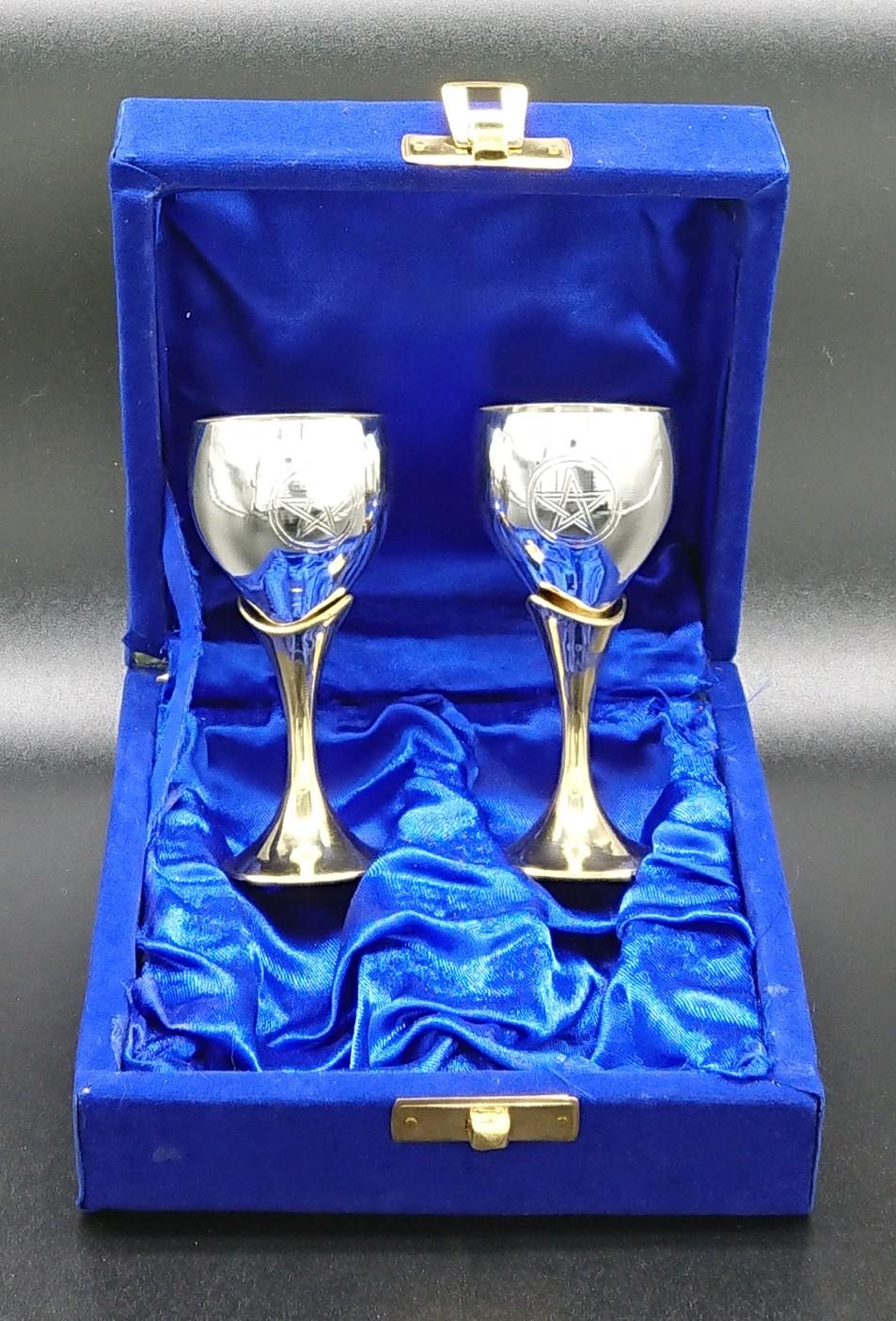 Pair of 8-5 cm Pentagram chalices velvet boxed