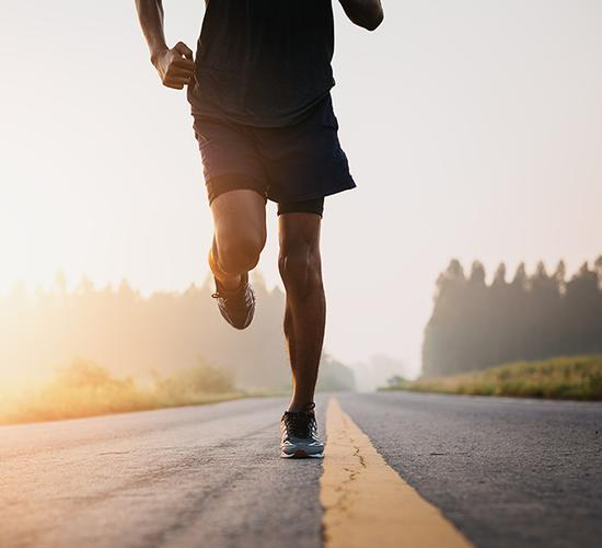 Why vegan ultra-runner Paul Minter is running around the circumference of the UK From serving on the frontline to getting through PTSD: running has always been a part of vegan ultra-runner Paul Minter's life. Now, he's training for the run of his life: nearly 10,000 km around the circumference of the UK.