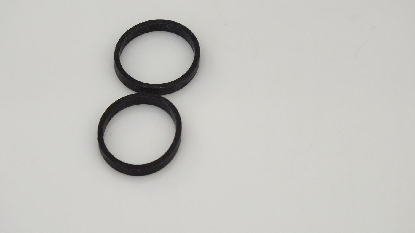 S8318/X8461/8029 HORNBY TRIANG SMALL TRACTION TYRES     U4C