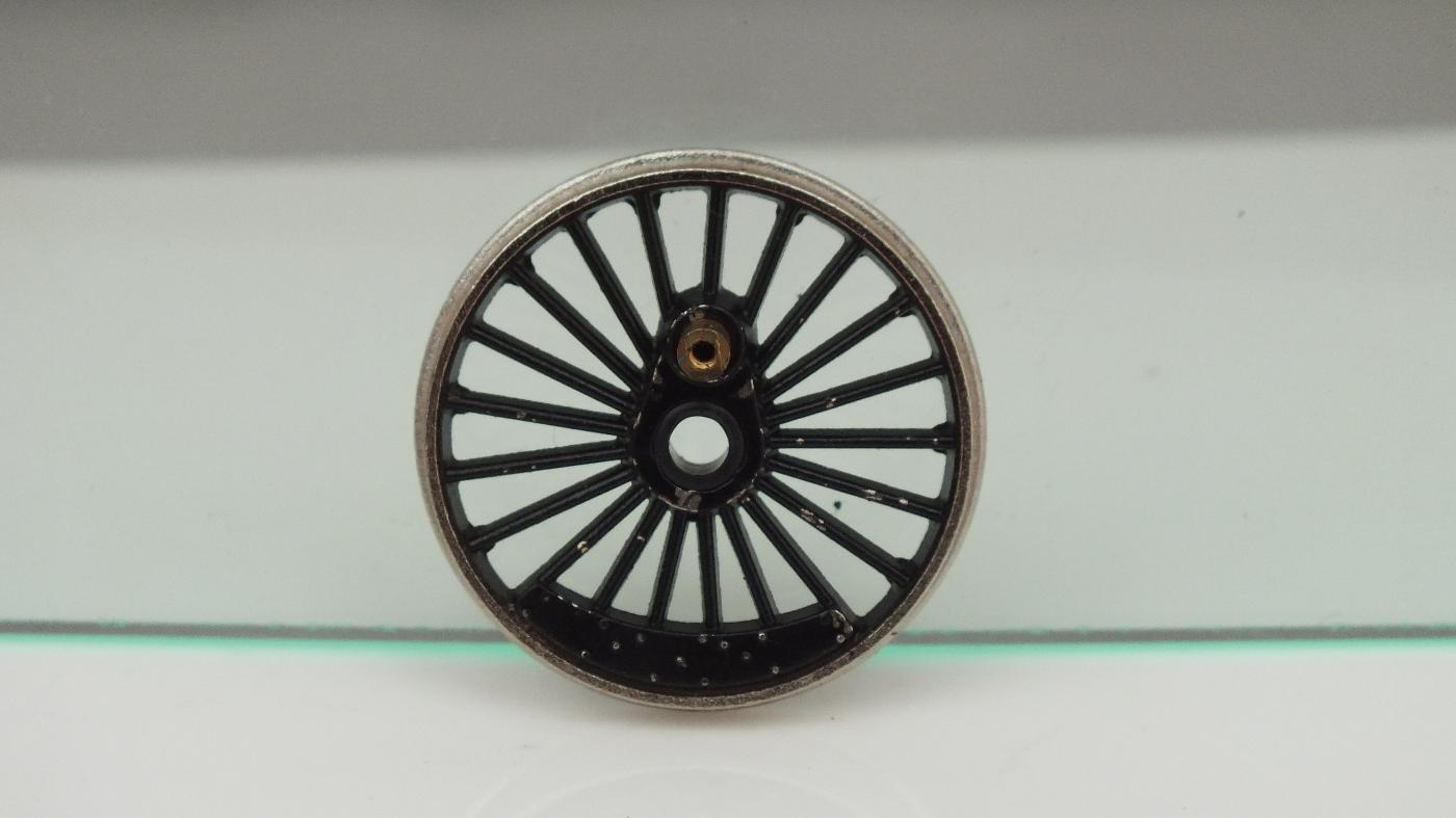X973A HORNBY TRIANG CENTRE DRIVE WHEEL CRANKED & BUSHED BLACK      S10C