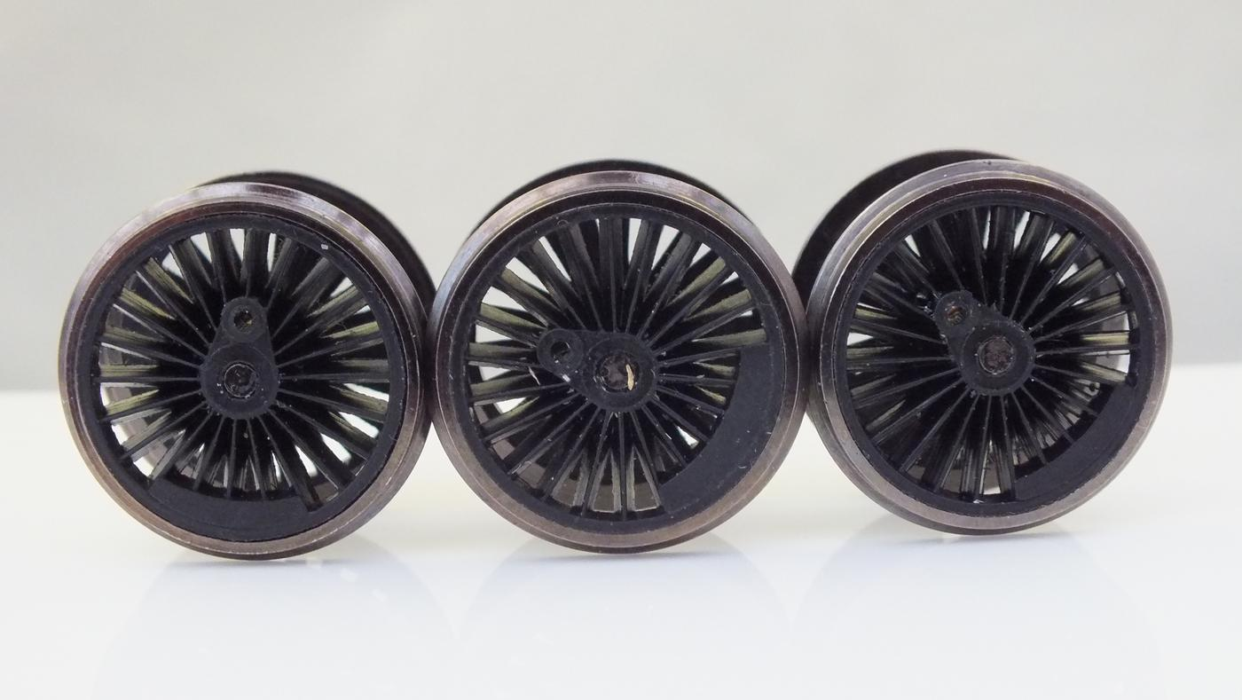 X9758 # HORNBY  FULL SET  LOCO WHEELS CASTLE CLASS CHINA MADE