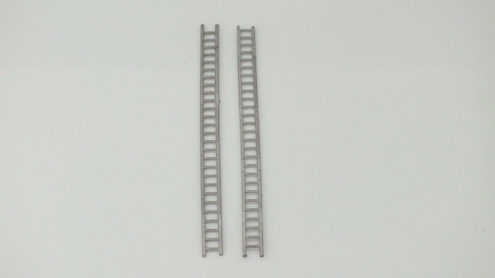 MS121 #  HORNBY TRIANG  2 X WHITE METAL  LADDERS REPO   P11B