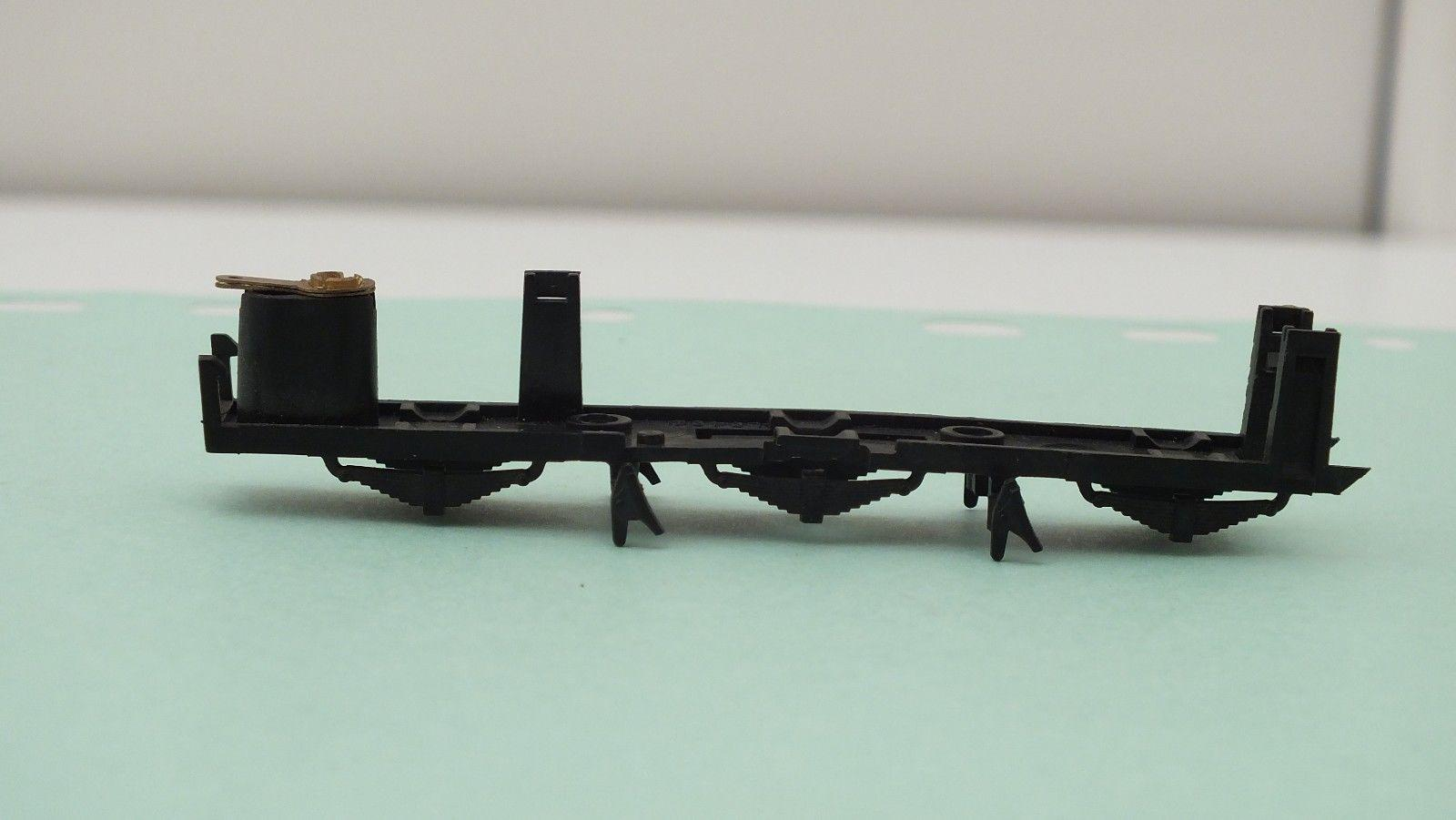X1687 # HORNBY TRIANG CHASSIS BOTTOM SCOTSMAN    Z19C