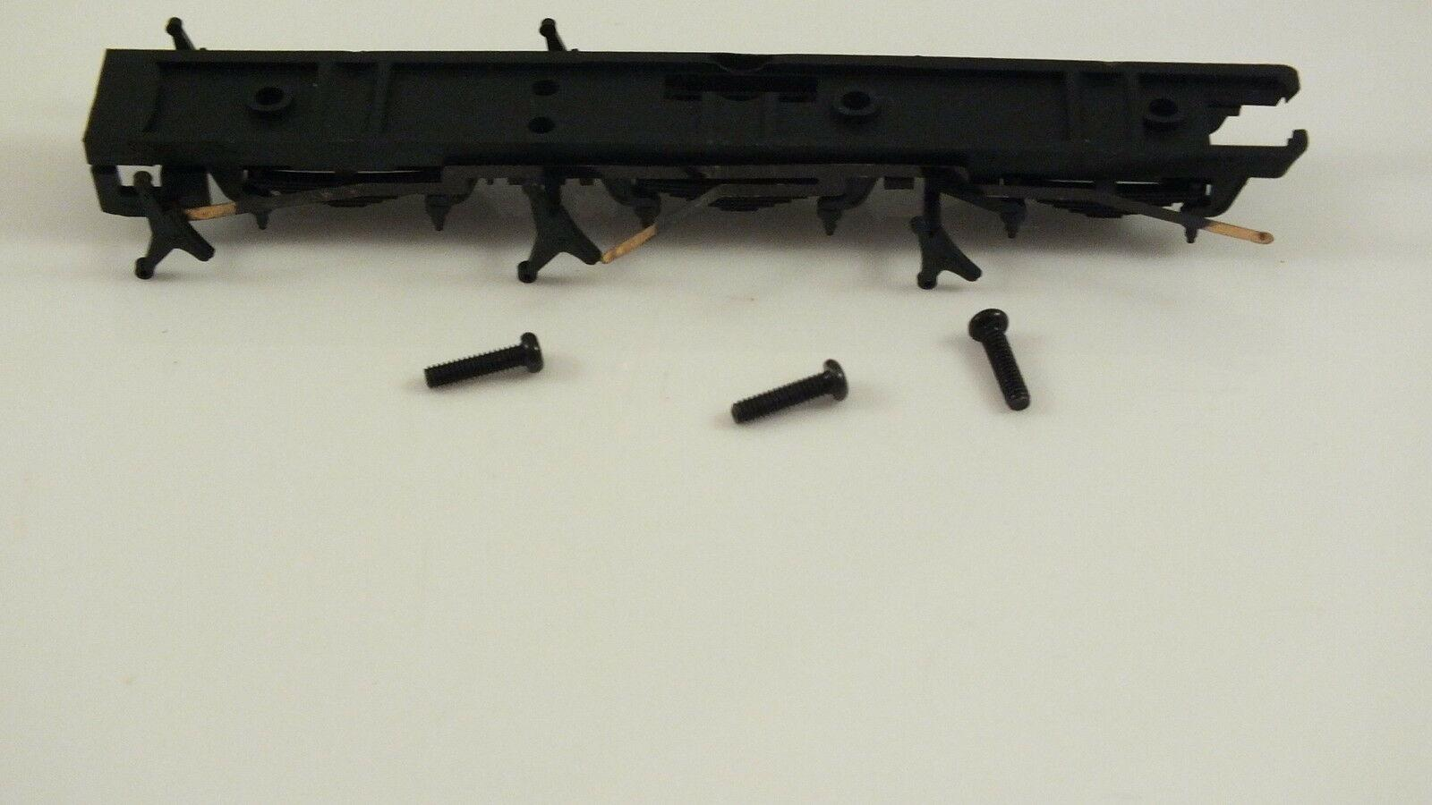 X6162 # HORNBY TRIANG CHASSIS BOTTOM WITH PICKUPS & SCREWS CASTLE CLASS   V19A