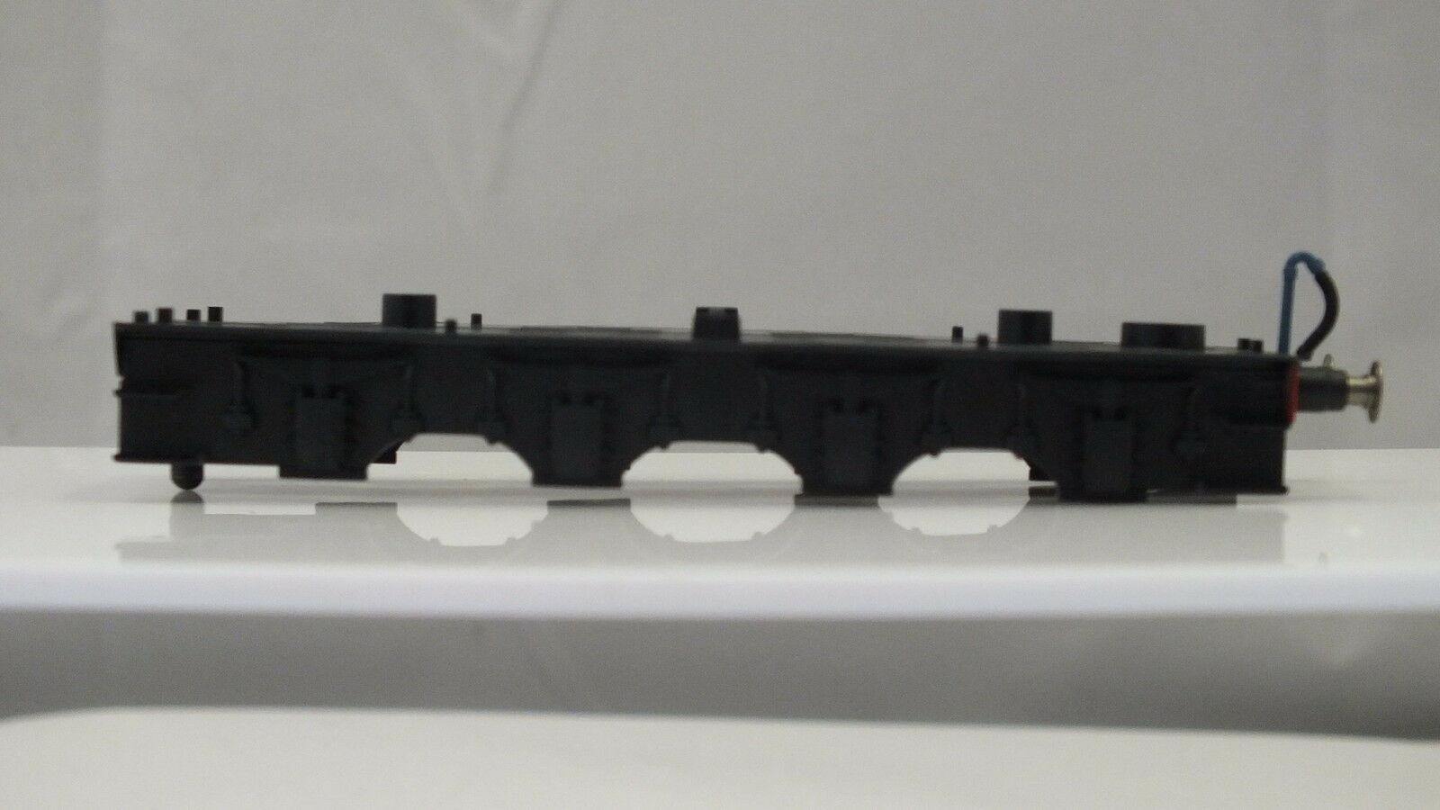 X9343 # HORNBY TRIANG TENDER CHASSIS AND PICKUP ASSEMBLY   X12A
