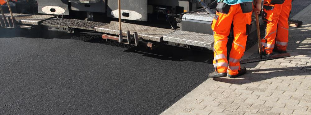 We provide a wide range of tarmac services. Whether you need us to make repairs to an old road, install a manhole lid or lay a new driveway or car park, you can trust us to do so quickly and effectively. Get in touch for a free consultation and quote.