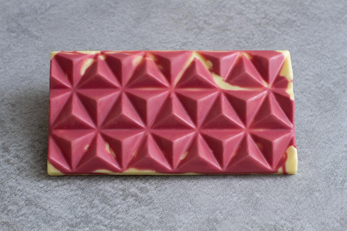 Ruby-White Pyramid Bar