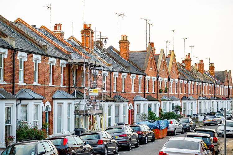 London House Prices Remain Flat The 30 June deadline for the stamp duty holiday has removed the urgency for some to find a new home.