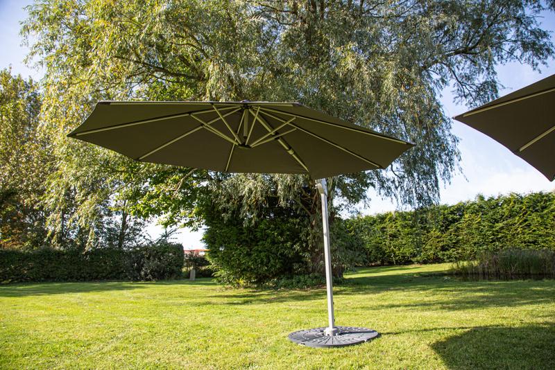 3-5m Round caribbean cantilever parasol