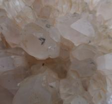 HOLLANDITE QUARTZ