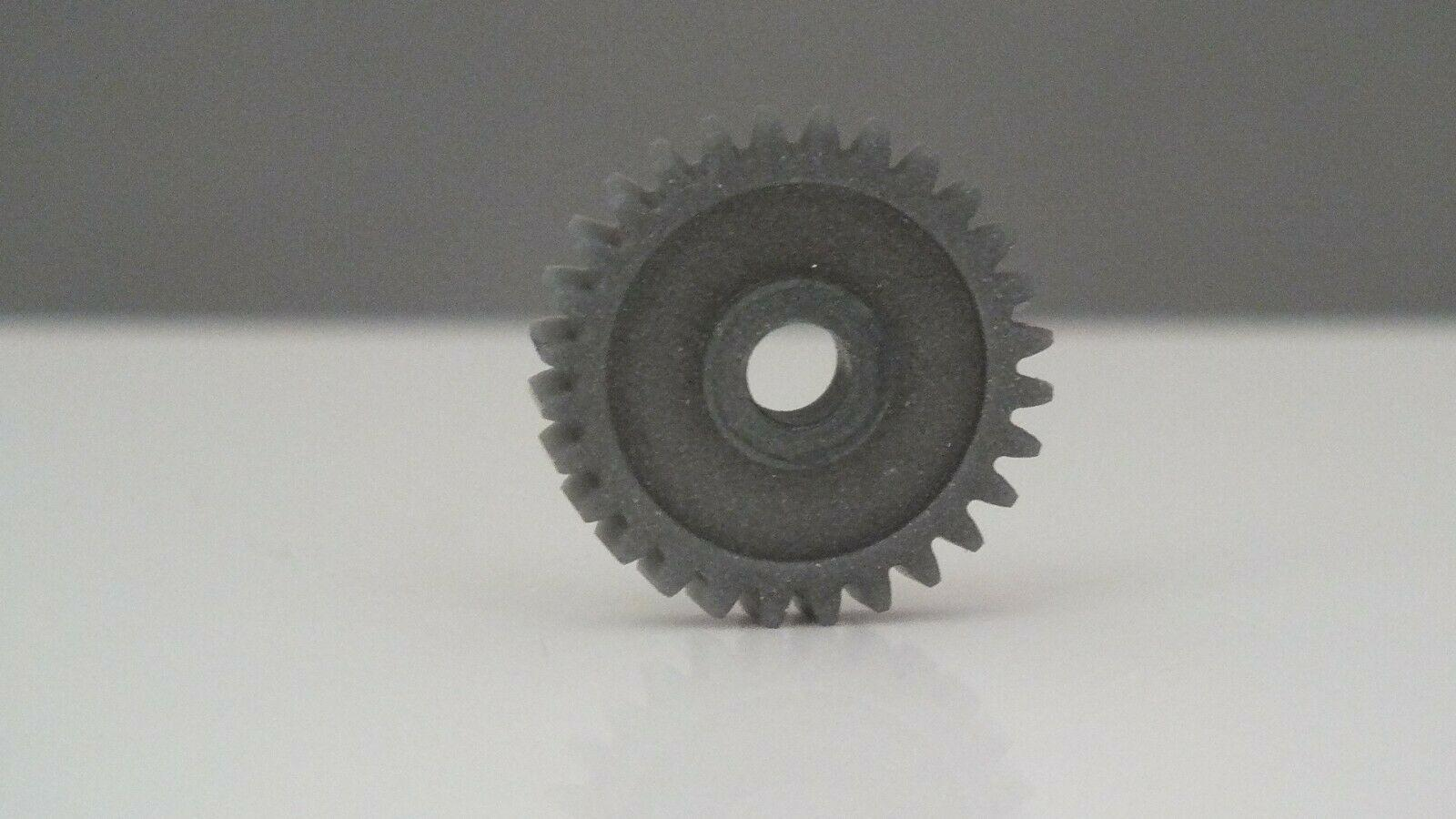 S9573 # HORNBY TRIANG 28 TOOTH DRIVE GEAR FOR X03 & TURN TABLE       T15D