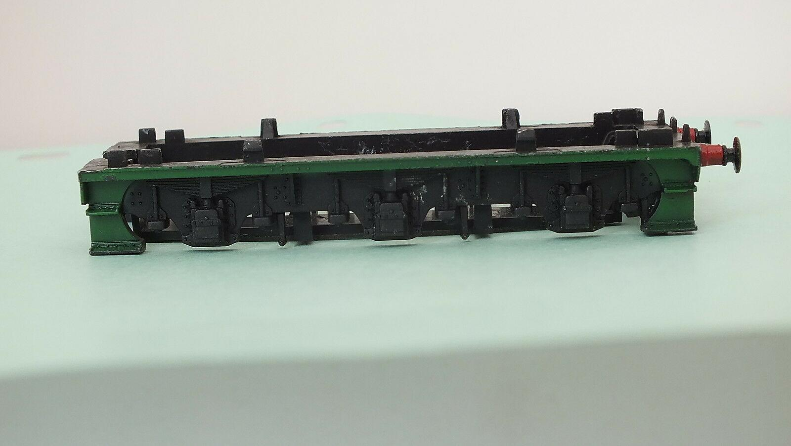 X1437G # HORNBY TRIANG DIECAST TENDER UNDERFRAME WITH BUFFERS      S4A