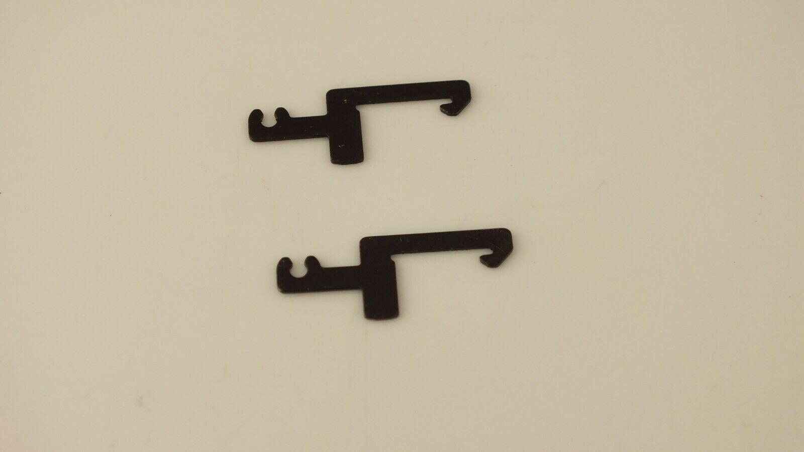 X9428  x 2 HORNBY LIMA   COUPLING HOOKS BOTTOM FIXING                      T19A