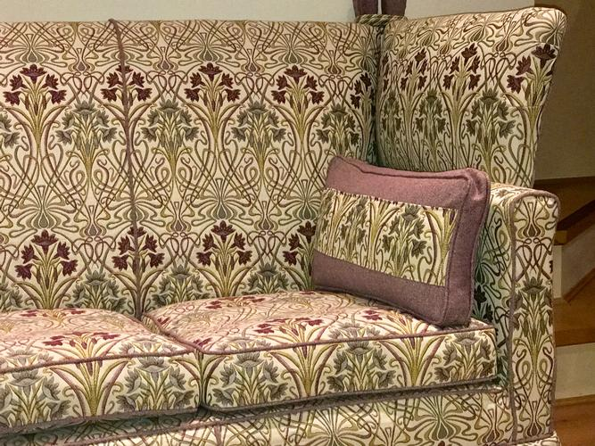 Country House Loose Covers A look at our country house loose covers. This beautiful old double drop arm sofa fitted with tailored loose covers.